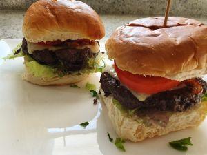 Hamburger in de airfryer maken, ook dat is mogelijk!